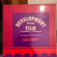 Libros de segunda mano: LIBRO CINE INGLÉS DEVELOPMENT OF THE FILM AN INTERPRETIVE HISTORY. ALAN CASTY. SANTA MONICA COLLEGE. Lote 235515175