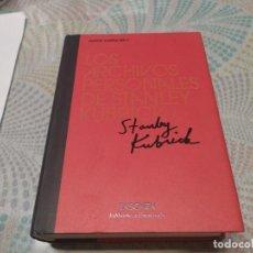Libros de segunda mano: TASCHEN LOS ARCHIVOS PERSONALES DE STANLEY KUBRICK MIREN FOTOS. Lote 235608790
