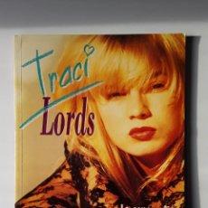 Libros de segunda mano: EDUARDO GUILLOT / MANUEL VALENCIA - TRACI LORDS (MIDONS, 1997, SEGUNDA EDICIÓN) SERIE B, 3. Lote 261816720