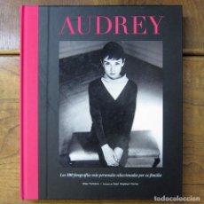 Libros de segunda mano: ELLEN FONTANA - AUDREY HEPBURN, LAS 100 FOTOGRAFÍAS MAS PERSONALES - 2011 - ACTRIZ, HOLLYWOOD. Lote 260691030