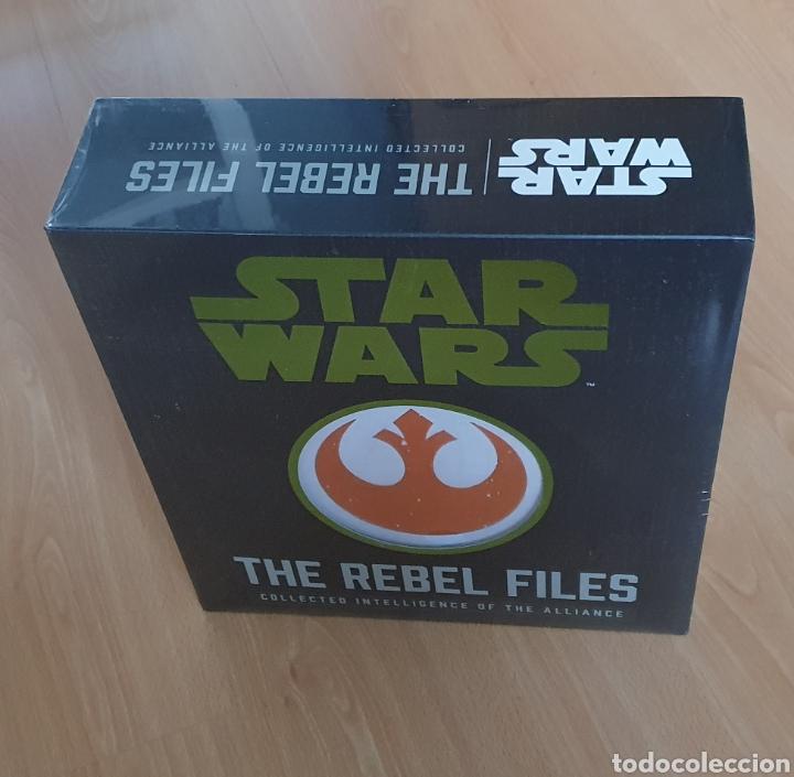 Libros de segunda mano: Star wars: The Rebels files deluxe edition - Foto 3 - 290109898