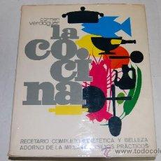 Libros de segunda mano: LA COCINA. RECETARIO COMPLETO. DIETÉTICA Y BELLEZA. CARMEN VERDAGUER RM27715. Lote 29671250