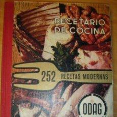 Libros de segunda mano: LIBRO RECETARIO DE COCINA 252 RECETAS MODERNAS ODAG 1969. Lote 31857257
