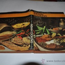Libros de segunda mano: STEP BY STEP GUIDE TO INDIAN COOKING KHALID AZIZ .RA6004. Lote 31966637