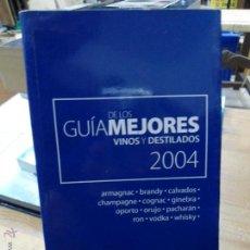 Libros de segunda mano: LIBRO GUIA DE LOS MEJORES VINOS Y DESTILADOS 2004 ED. PIERRE L-2604-210. Lote 47533451