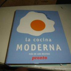 Libros de segunda mano: CAJ-16 LA COCINA MODERNA MUCHAS RECETAS SIN COMPROBAR SI ESTAN TODAS. Lote 204325097