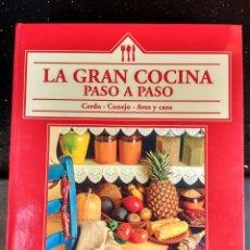 Libros de segunda mano: LA COCINA PASO A PASO. CERDO, CONEJO, AVES Y CAZA.. Lote 98973763