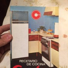 Libros de segunda mano: ANTIGUO LIBRO RECETARIO DE COCINA MARCA CORBERO AÑO 1974. Lote 99247903