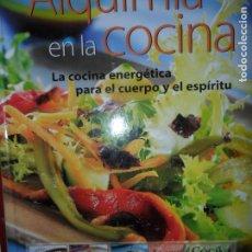 Libros de segunda mano: ALQUIMIA EN LA COCINA, LA NUEVA COCINA ENERGÉTICA II, MONTSE BRADFORD, ED. OCÉANO ÁMBAR. Lote 263246595