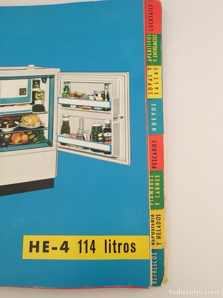 Libros de segunda mano: UN NUEVO ARTE DE COMER - LIBRO DE RECETAS DE COCINA - 1961 - Foto 3 - 127779090