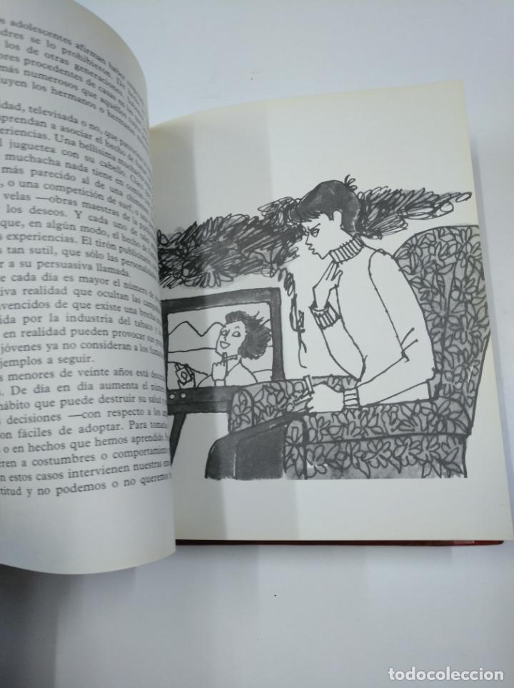 Libros de segunda mano: NUESTRA BODEGA. OUR CELLAR. VINOS DE LA MANCHA CON DENOMINACIÓN ORIGEN. RENE H. MONTARCE-RIEU TDK207 - Foto 2 - 139452198