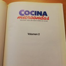 Libros de segunda mano: COCINA MICROONDAS. RECETARIO PARA UNA NUEVA FORMA DE COCINA. VOLUMEN 2 (PLANETA - AGOSTINI). Lote 160475990