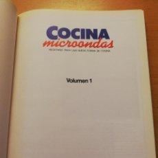 Libros de segunda mano: COCINA MICROONDAS. RECETARIO PARA UNA NUEVA FORMA DE COCINA. VOLUMEN 1 (PLANETA - AGOSTINI). Lote 160476482