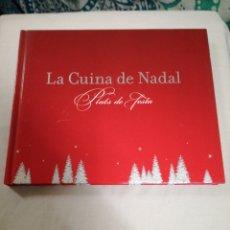 Libros de segunda mano: LA CUINA DE NADAL. PLATS DE FESTA - ED. 62 2006. AMB IMATGES. Lote 170951259