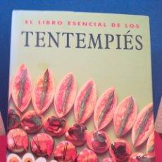 Libros de segunda mano: EL LIBRO ESENCIAL DE LOS TENTEMPIÉS - KONEMANN, 2000. Lote 172381693