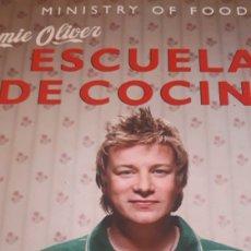 Libros de segunda mano: ESCUELA DE COCINA JAMIE OLIVER MINISTRYBOF FOOD. Lote 176078284