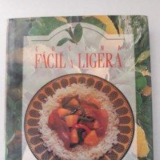 Libros de segunda mano: COCINA FACIL Y LIGERA RECETAS PARA ALIMENTARSE MEJOR. EDITORIAL: TORMONT, MONTREAL, 1994. . Lote 195153360