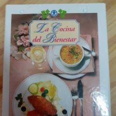 Libros de segunda mano: LIBRO FICHERO, LA COCINA DEL BIENESTAR, AÑO 97. Lote 204081806