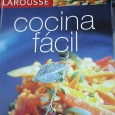 Libros de segunda mano: COCINA FÁCIL DE LAROUSSE (BARCELONA, 2006). Lote 211269701