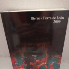Libros de segunda mano: EL SEÑOR PRIETO Y DOÑA MENCÍA. BIERZO-TIERRA DE LEÓN 2009.. Lote 213706047