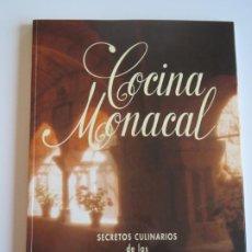Libros de segunda mano: COCINA MONACAL SECRETOS CULINARIOS DE LAS HERMANAS CLARISAS 1999 CIRCULO CATOLICO. Lote 223156723