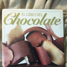 Libros de segunda mano: EL LIBRO DEL CHOCOLATE, DE PATRICIA LOUSADA. UNICO EN TC, ESCASO. REPOSTERÍA, POSTRES, TARTAS. Lote 228737055