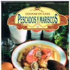 Libros de segunda mano: COCINAR EN CASA, PESCADOS Y MARISCOS DE SUSAETA, VER INDICE CON EL REPERTORIO DE RECETAS. Lote 229199910