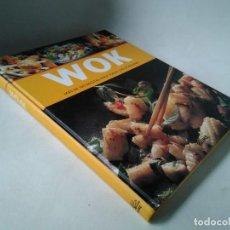 Libros de segunda mano: WOK. MÁS DE 100 RECETAS PARA TODAS LAS OCASIONES. Lote 233036320
