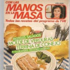 Libros de segunda mano: CON LAS MANOS EN LA MASA. Nº 94. PASTELES SALADOS: MARZO 1986. (B/A57. Lote 237329460