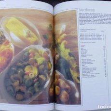 Libros de segunda mano: LIBRO DE COCINA DE HORNO MICROONDAS EN COMBINACION CON EL CONVECTOR Y GRILL LOTE Nº 32. Lote 249352770