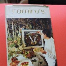 Libros de segunda mano: RAMIRO'S. JESÚS RAMIRO CREATIVE CUISINE. LA COCINA IMAGINATIVA CASTELLANA. EDICIONES ÁMBITO 1987. Lote 257627315