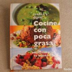 Libros de segunda mano: COCINA CON POCA GRASA READER'S DIGEST 2000. Lote 258130945