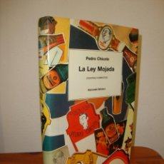 Libros de segunda mano: LA LEY MOJADA (COCKTAILS COMPLETOS) - PEDRO CHICOTE - EDICIONES SIRUELA, MUY BUEN ESTADO. Lote 269186368