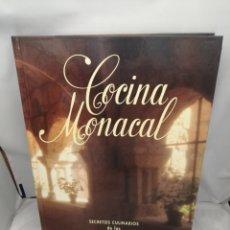 Libros de segunda mano: COCINA MONACAL. SECRETOS CULINARIOS DE LAS HERMANAS CLARISAS (FORMATO GRANDE: 31 X 24 CMS.). Lote 278083033