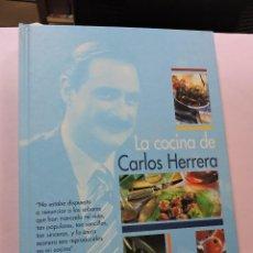 Libros de segunda mano: LA COCINA DE CARLOS HERRERA. EDITORIAL EVEREST 2001. Lote 295800038