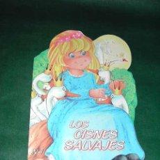Libros de segunda mano: CUENTO TROQUELADO: LOS CISNES SALVAJES. Lote 4446125