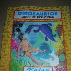 Libros de segunda mano: LIBRO DE PEGATINAS COLECCION DINOSAURIOS, Nº 4: KALAY EN EL LAGO. EDICIONES A. SALDAÑA, AÑOS 90S.. Lote 15409661