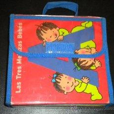 Libros de segunda mano: ESTUCHE MALETIN LAS TRES MELLIZAS BEBES 5 LIBROS DE LA A, E, I, O, U. / ROSER CAPDEVILA. Lote 39071204