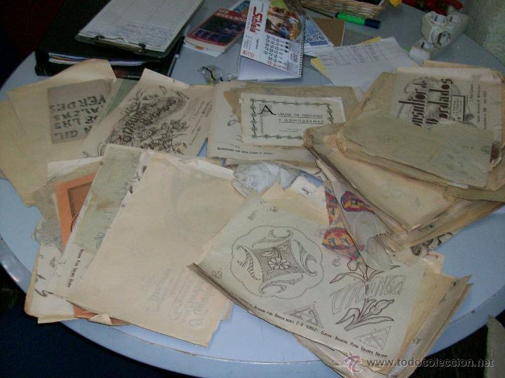 Libros de segunda mano: GRAN LOTE DE LIBROS Y FOLLETOS DE BORDADOS ANTIGUOS. A PESO! 2 kg. DE LIBRITOS! - Foto 2 - 152161297