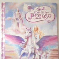 Libros de segunda mano: BARBIE Y LA MAGIA DE PEGASO ANDREA POSNER SANCHEZ LIBRO DIVO 2005. Lote 45952778
