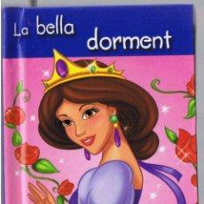 Libros de segunda mano: LA BELLA DORMENT - ALINARA EDICIONS. Lote 49483163