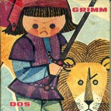 Libros de segunda mano: GRIMM : DOS HERMANOS GEMELOS (MOLINO, 1961) ILUSTRADO POR CORREAS. Lote 52434066