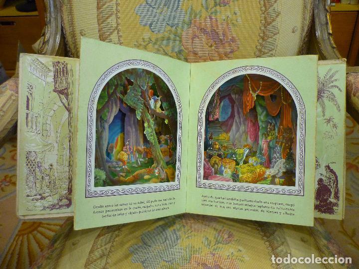 Libros de segunda mano: COLECCIÓN TEATRINES: ALÍ-BABÁ Y LOS CUARENTA LADRONES. DESPLEGABLE EN TRES DIMENSIONES. 1.951. - Foto 3 - 62673688