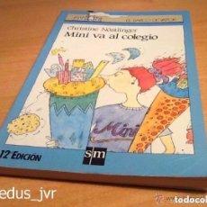Libros de segunda mano: MINI VA AL COLEGIO LIBRO DE EL BARCO DE VAPOR SERIE AZUL EN BUEN ESTADO. Lote 68723097
