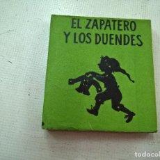 Libros de segunda mano: EL ZAPATERO Y LOS DUENDES-.LIBROS PEQUEÑINES-.EDITORIAL JUVENTUD-PRIMERA EDICION AÑO 1954-N. Lote 76895067