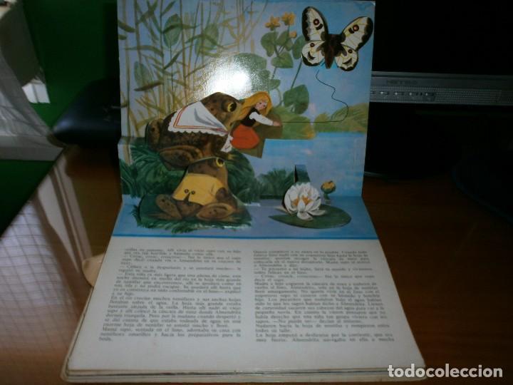 Libros de segunda mano: CUENTO POP-UP ALMENDRITA - H.C. ANDERSEN - ILUSTRADO POR SHEVARIOVA - EDT. MALYSH, Moscú, 1982. - Foto 3 - 82916548