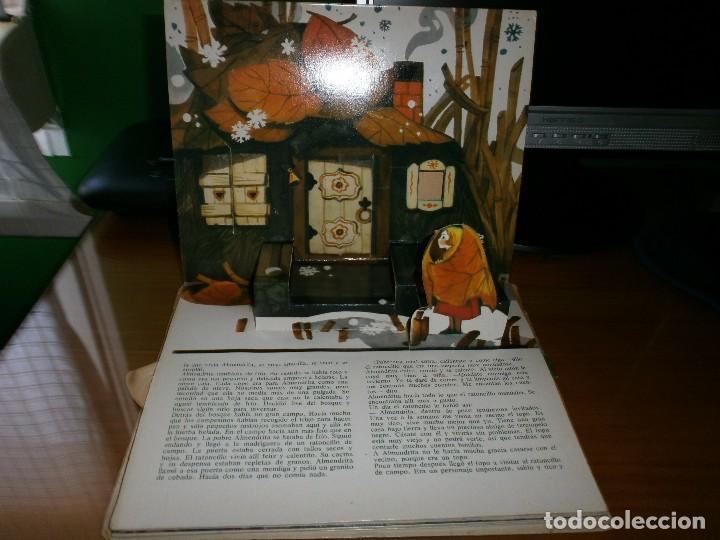 Libros de segunda mano: CUENTO POP-UP ALMENDRITA - H.C. ANDERSEN - ILUSTRADO POR SHEVARIOVA - EDT. MALYSH, Moscú, 1982. - Foto 5 - 82916548