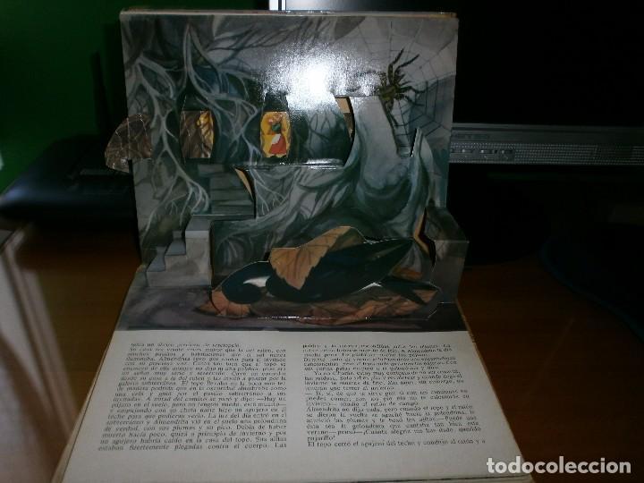 Libros de segunda mano: CUENTO POP-UP ALMENDRITA - H.C. ANDERSEN - ILUSTRADO POR SHEVARIOVA - EDT. MALYSH, Moscú, 1982. - Foto 6 - 82916548