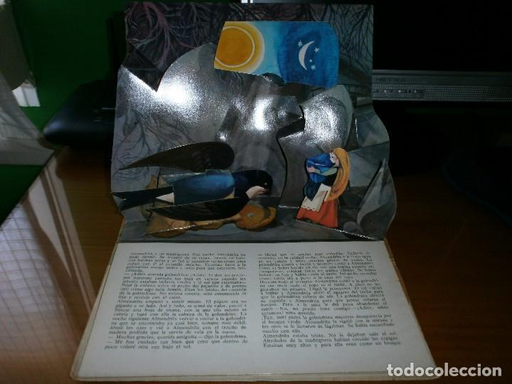 Libros de segunda mano: CUENTO POP-UP ALMENDRITA - H.C. ANDERSEN - ILUSTRADO POR SHEVARIOVA - EDT. MALYSH, Moscú, 1982. - Foto 7 - 82916548