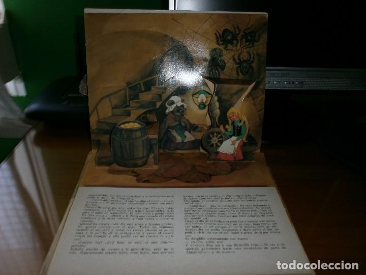 Libros de segunda mano: CUENTO POP-UP ALMENDRITA - H.C. ANDERSEN - ILUSTRADO POR SHEVARIOVA - EDT. MALYSH, Moscú, 1982. - Foto 8 - 82916548